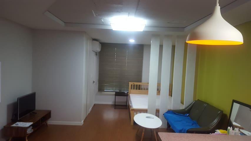 중문관광단지 근처 예쁘고 조용한 힐링원룸 - Jungmun-dong, Seogwipo - Kondominium