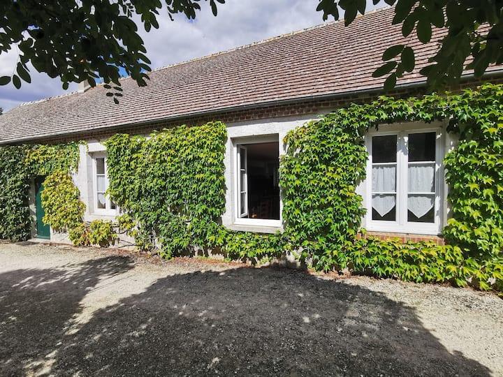 Charmante maison avec jardin au calme.