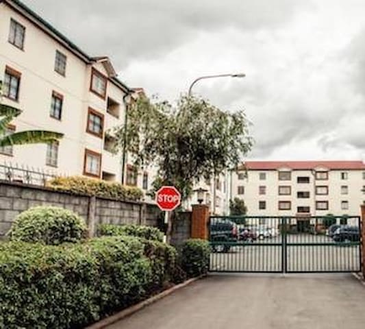 Absolutely Convenient Room, 15 mins to the airport