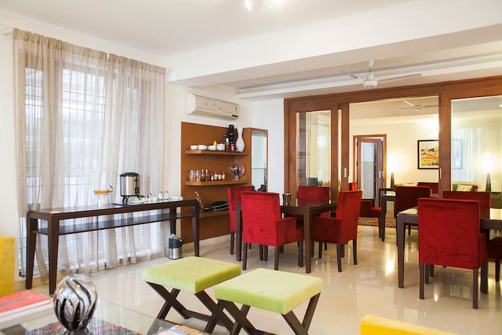 Yippeerooms party place @ sec 56 - Gurgaon - House