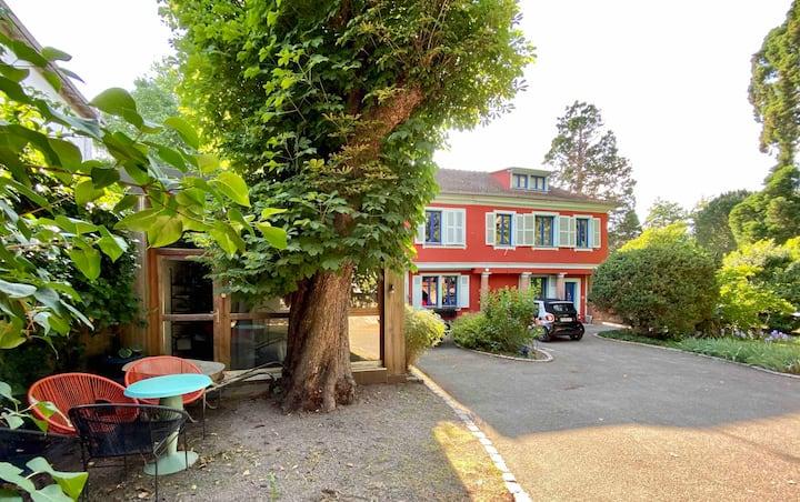 AU CENTRE,bungalow et jardin,2rooms,Parking privé.