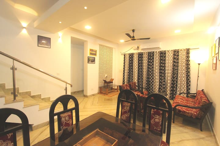 3 BHK VILLA WITH POOL, GOA . STAYS, INDIA,12 GUEST