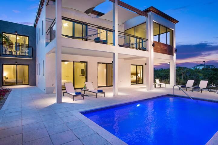 Windchaser Grand 3 BR Villa – B3BP