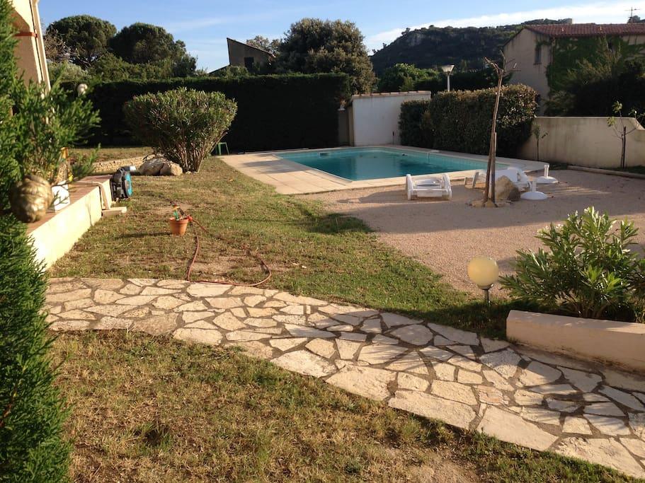 Villa Lentisques - piscine et terrain de pétanque