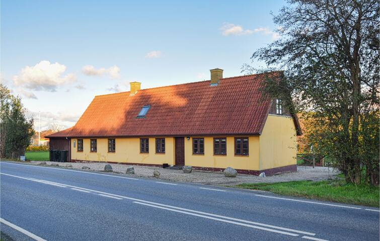 Holiday cottage with 3 bedrooms on 138m² in Rudkøbing