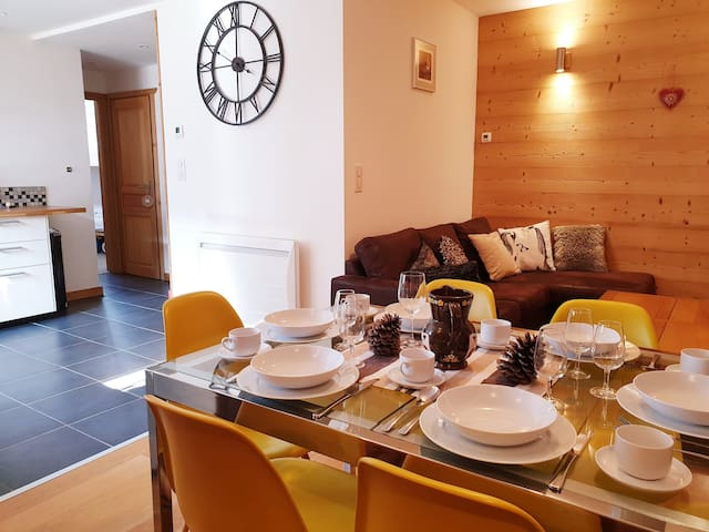 Fully renovated apartment in Morzine center