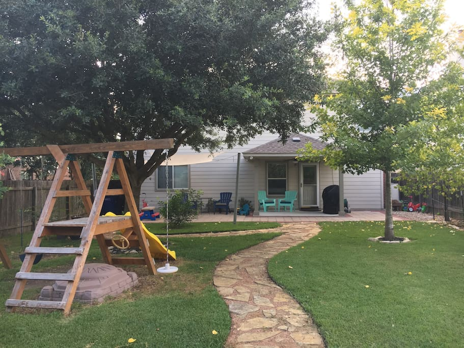 4 Bedroom 2 5 Bath House In North Austin Houses For Rent In Austin Texas United States