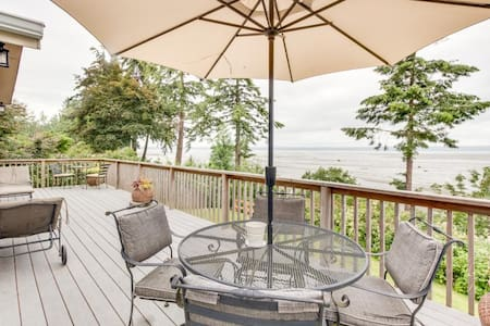 Warm Beach Waterfront - Puget Sound - Stanwood
