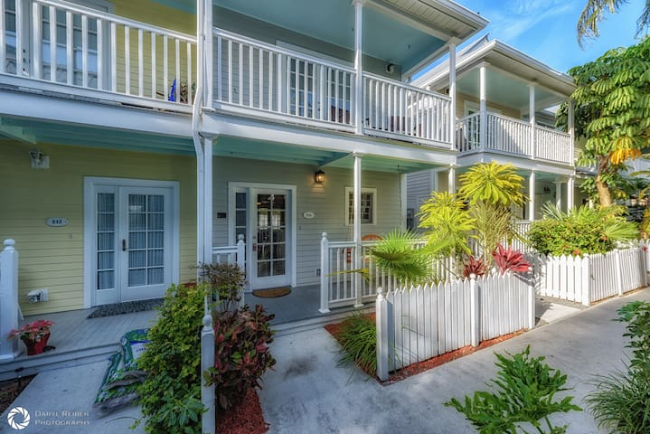 Paradise on Porter 2 Bedrooms, 2 1/2 Baths in Desirable Truman Annex