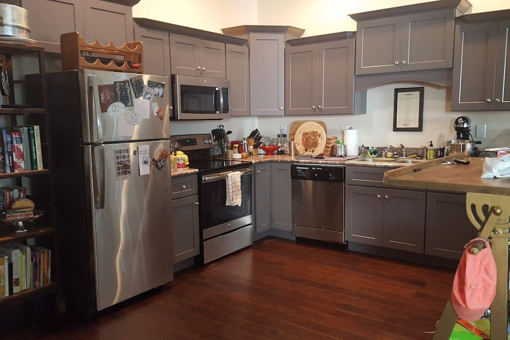 Shared kitchen space with brand new appliances
