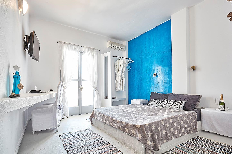 Welcome to Greek Goddess Papaya private room
