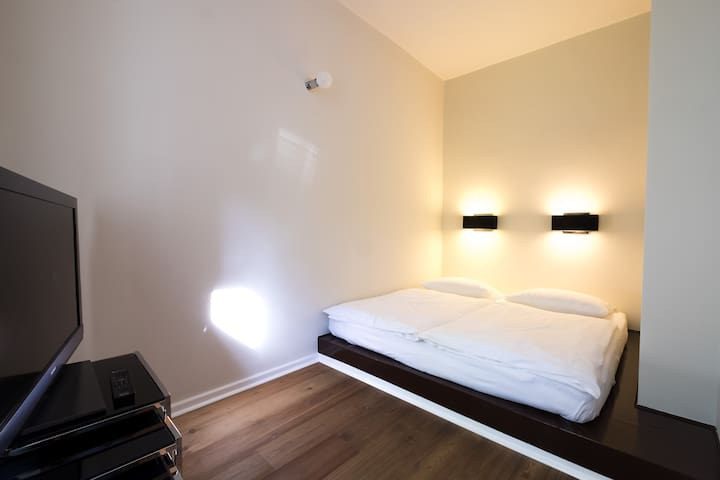 Stylish, modern boutique hotel room - Berlin Mitte