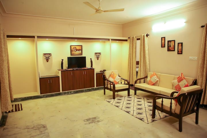 Indian decor - 1 BHK