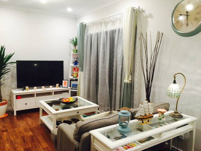 Brandnew clean cozy master room with own ensuite - Springvale South - Complexo de Casas