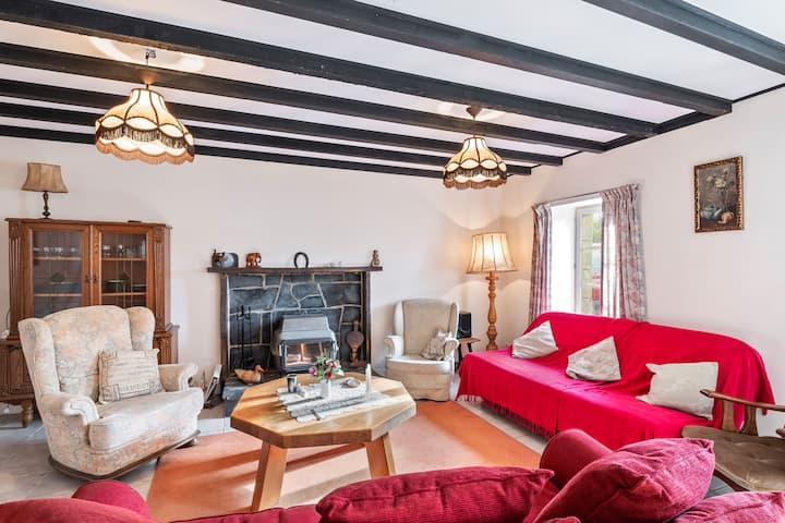 Delightful Holiday Home in Chapelle Neuve with Swimming Pool