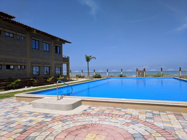 Beachfront Condo w/Pool, Beach Access, Views