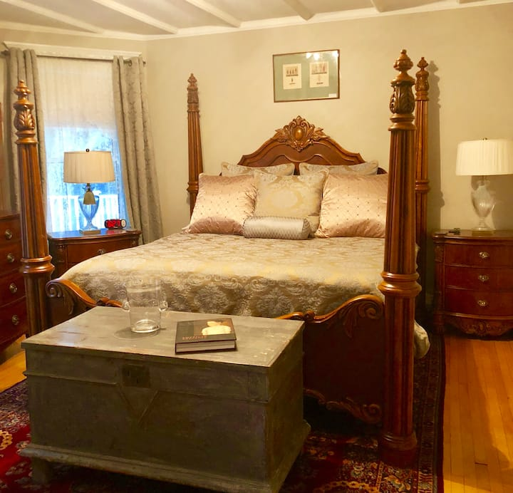 1000 Islands Bed and Breakfast - Gananoque Suite 1