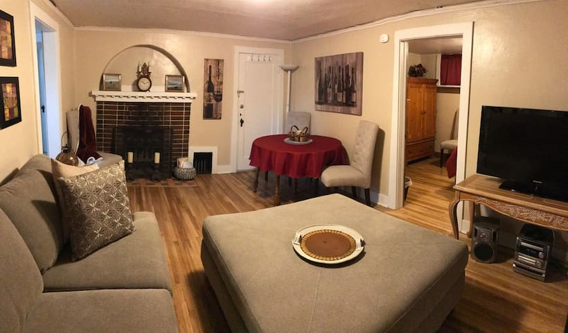 Cozy 1BD in Downtown Pullman - Pullman - Hus