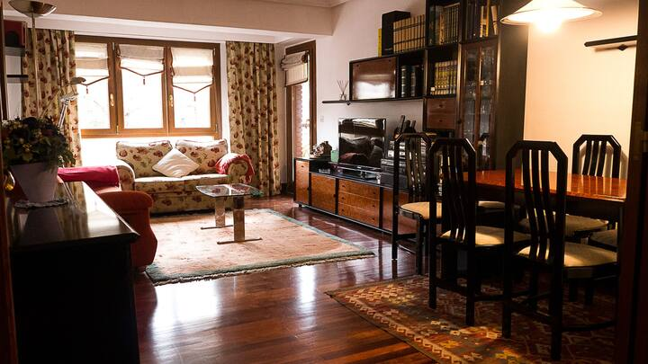 Spacious cozy apartment in San Sebastian: ESS02196