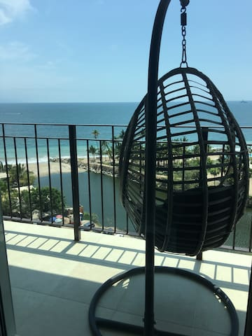 Luxurious Oceanfront Condo at Grand Venetian