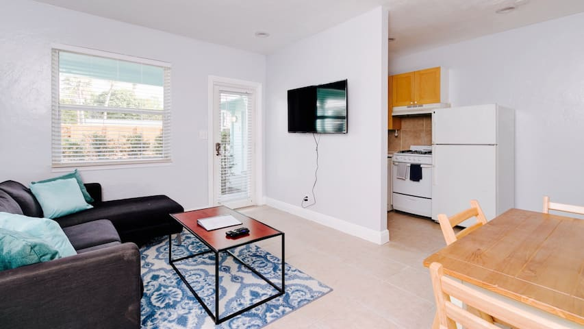 Parakeet Retreat Unit 3 - Downtown Fort Lauderdale