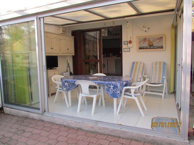 Maisonnette avec véranda et jardin plage Sud - Soulac-sur-Mer - Lägenhet