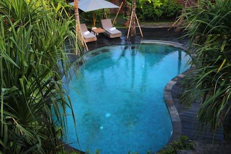 Floating Wooden House in Ubud - Ubud