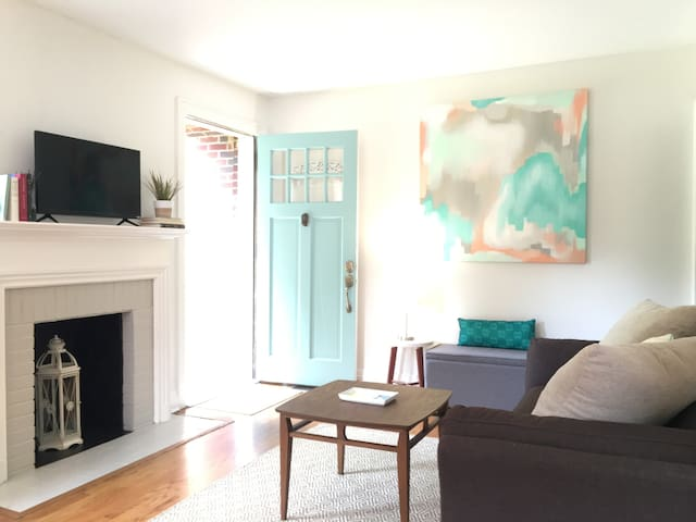 Urban Modern 3 BR in 12 South Nashville