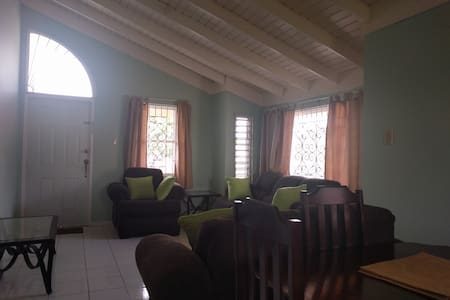 Nice Two Bedroom Home for Medium term stay. - Old Harbour - Apartment - 1
