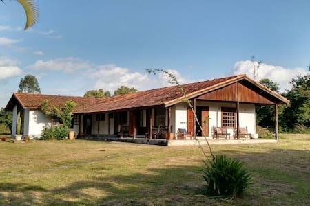 Casa de campo charmosa em Porangaba - Talo