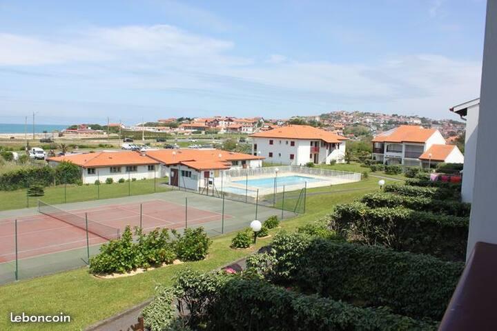 T2 vue sur mer 3 étoiles ,piscine et tennis