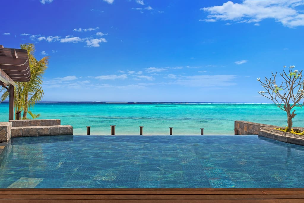 St. Regis 2 Bedroom Villa - Infinity Pool