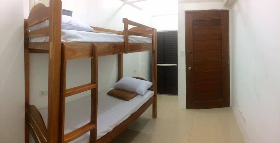 UST Apartments in Alfredo 17 - Manila - Apartamento
