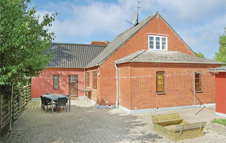 Holiday cottage with 3 bedrooms on 123m² in Bagenkop