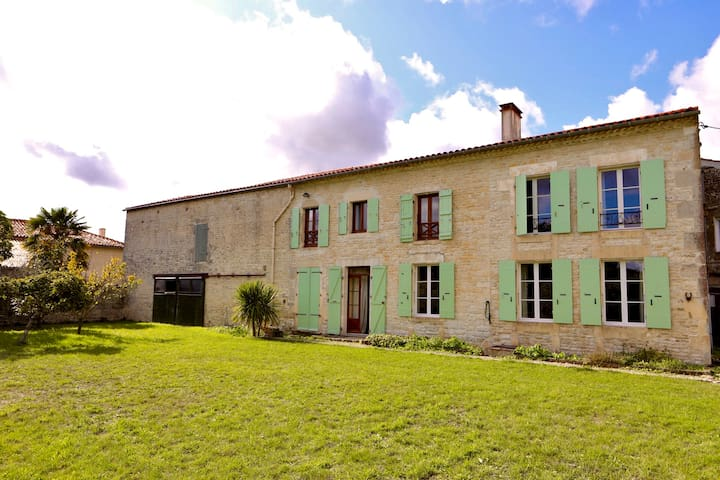 A beautiful, tranquil farmhouse in the countryside