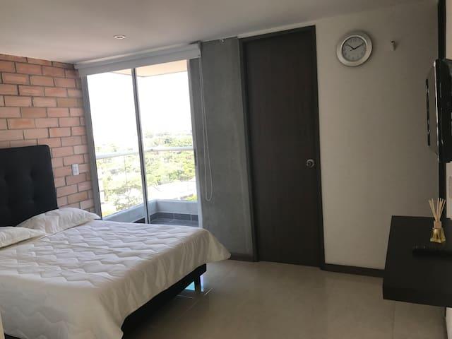 Perfect Location, 904 Balcony, Air, Near Metro