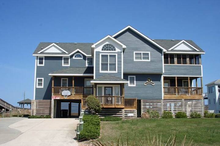 #OH4: OCEANFRONT Home in Corolla w/PrivatePool, HotTub & RecRm