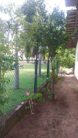 Cosy Furnished Cottage Close to Negombo Beach