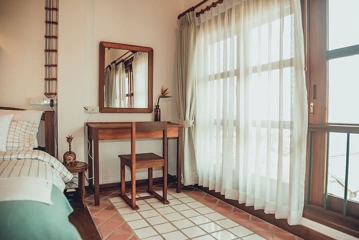 SHer@Nim Antique cozy 2BR Loft near Nimman