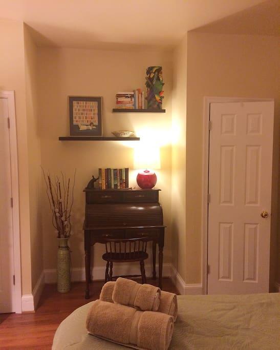 Desk nook in the bedroom
