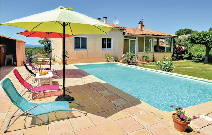 Awesome home in St André d'Olérargues with Outdoor swimming pool, Outdoor swimming pool and 3 Bedrooms