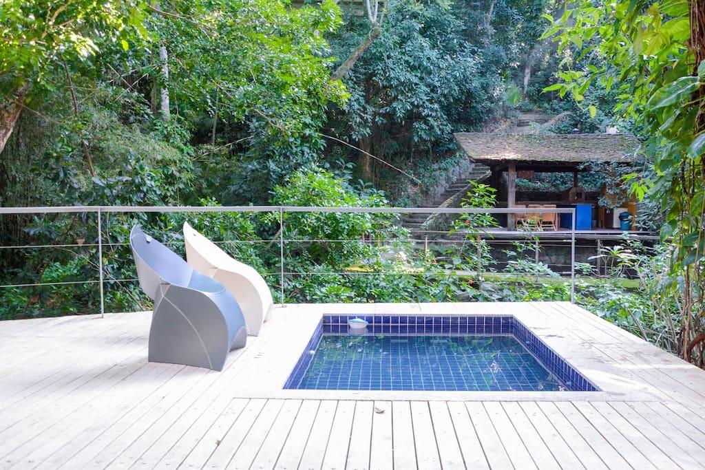 Swim Pool/Piscina/deck