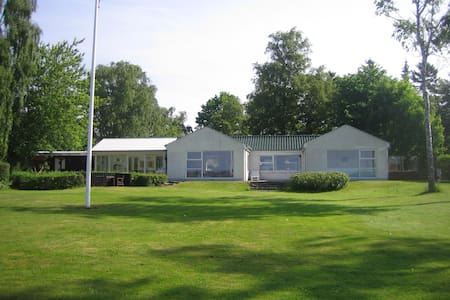 Beachfront, direct access to beach - Horsens - House