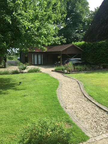 Self-contained annexe ideally located in Dorset