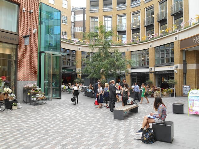 St Martin's Courtyard Covent Garden