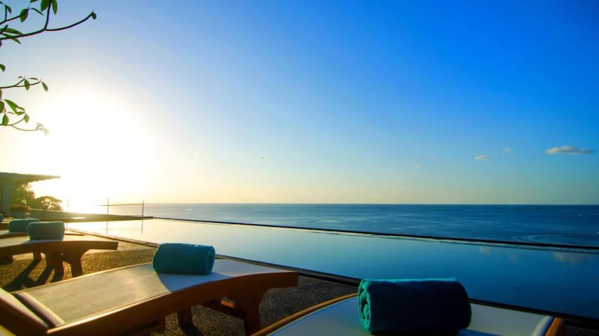 Surin Beach Resort - Choeng Thale - Bed & Breakfast