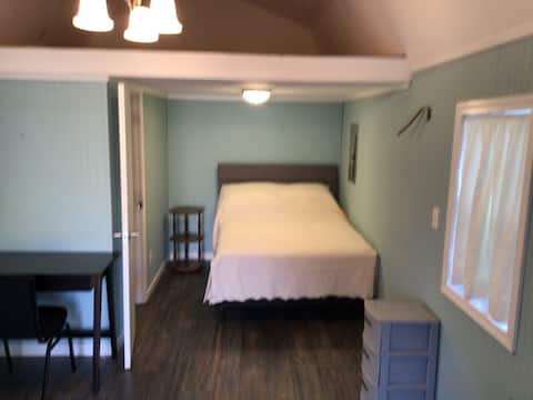 Newly Renovated Guest House in Warner Robins, GA
