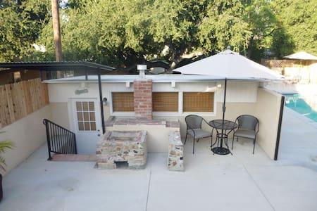 Charming Private Studio Guest House - La Crescenta-Montrose - Cabana