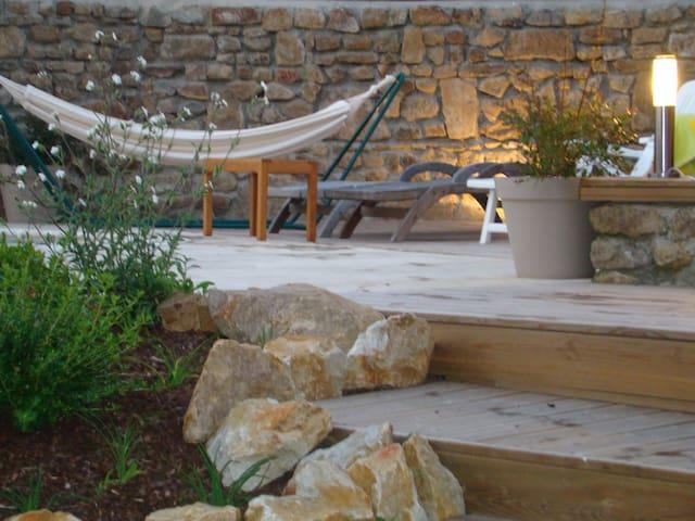 Gite cosy avec piscine Saint ceneri le gérei