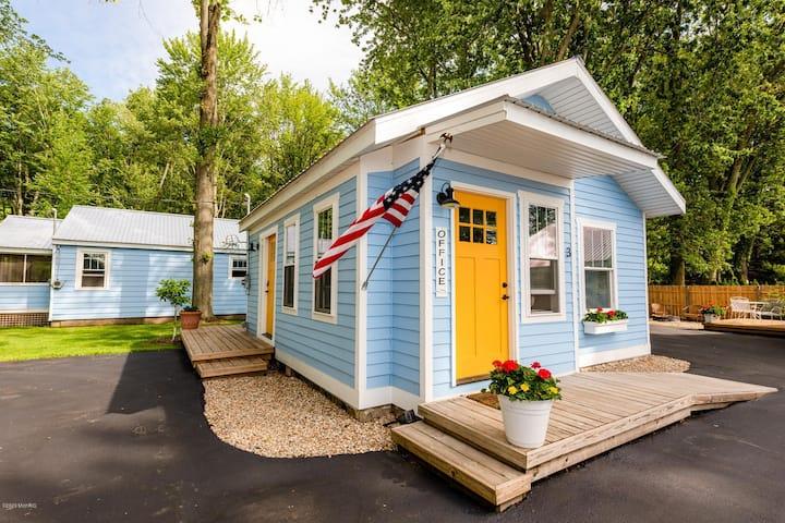 Heron's Nest I Paw Paw Lake Cottages I Michigan #3